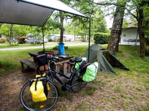 Camping Vert Bord'Eau (1)