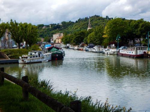 Hafen Moissac