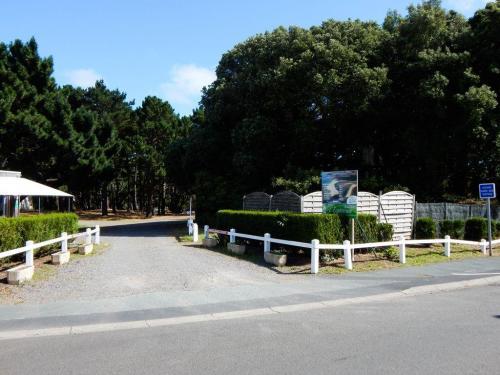 Einfahrt-zum-Campingplatz