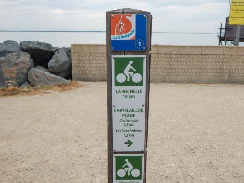 Hinweisschild am Radwanderweg