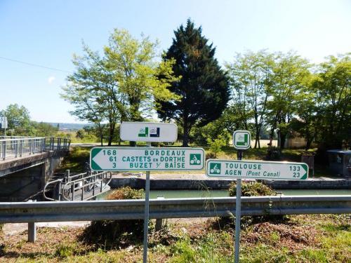 Hinweisschilder am Radwanderweg