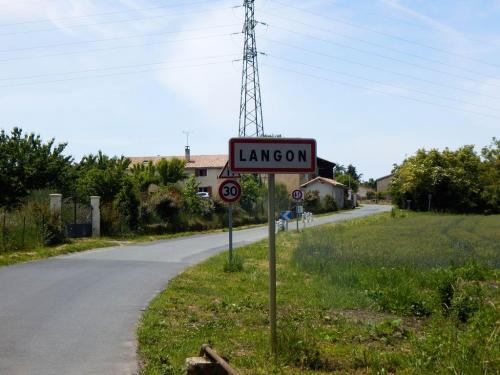 Langon vom Radwanderweg her (1)