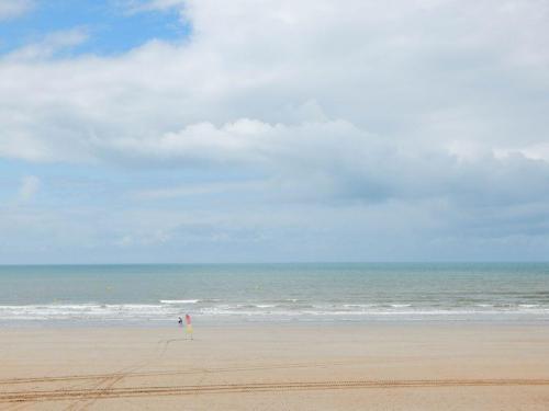 Menschenleerer-Strand