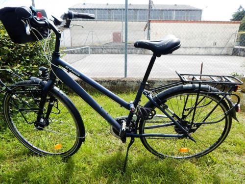 Nacktes Fahrrad